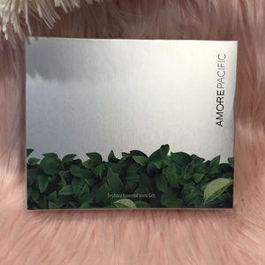 NIB Amore Pacific - Sephora Essentials Icons Gift